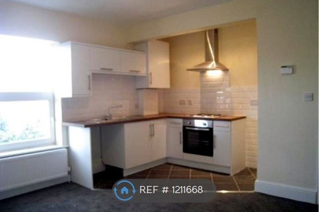 2 bed flat to rent in Manchester Road, Altrincham WA14