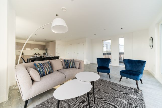 Thumbnail Flat to rent in Trinity Way, Acton