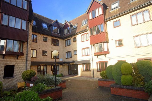 Thumbnail Flat for sale in Cavendish Court, Norwich