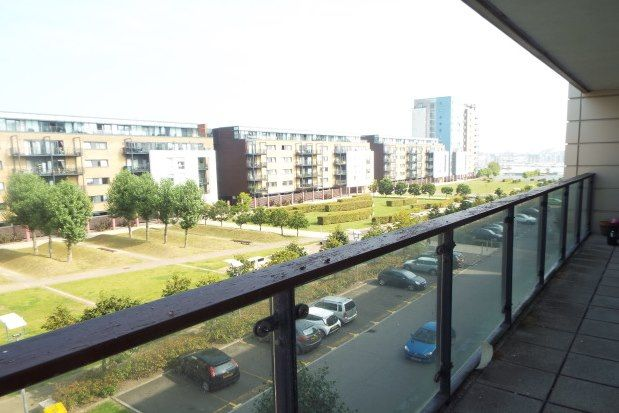 Thumbnail Flat to rent in Breakwater House, Cardiff