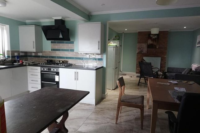 Thumbnail Semi-detached house to rent in Marshall Road, Cowley