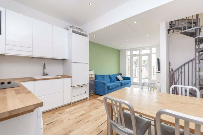 3 bed flat for sale in Harrow Road, London NW10