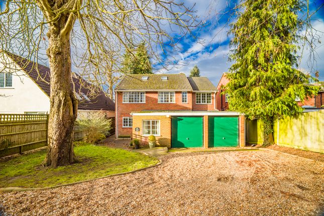 Thumbnail Detached house for sale in Dingle Bank, Goring On Thames