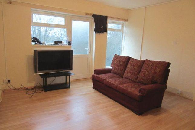 Thumbnail Flat to rent in Wynall Lane, Stourbridge