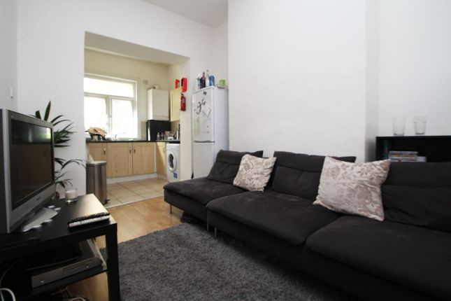 Thumbnail Terraced house to rent in Charteris Road, Finsbury Park