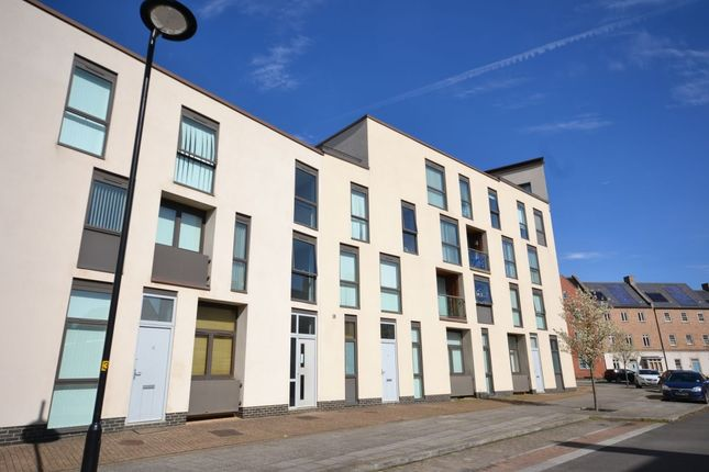 Thumbnail Flat for sale in High Street, Upton, Northampton