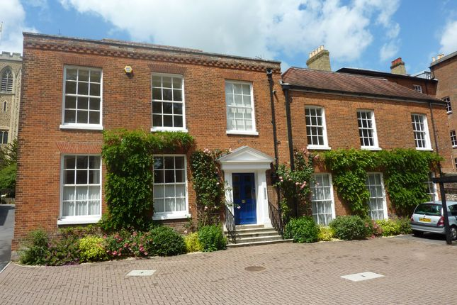 Thumbnail Flat to rent in Albion Place, Winchester