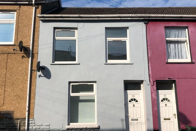 3 bed property to rent in Victoria Street, Mountain Ash CF45