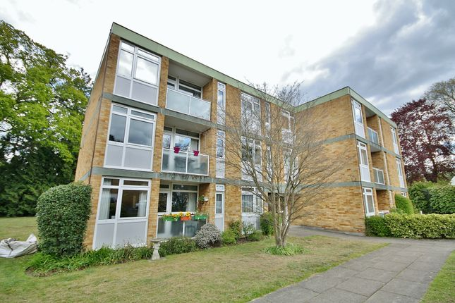 2 bed flat to rent in Laleham Court, Chobham Road, Horsell, Woking GU21