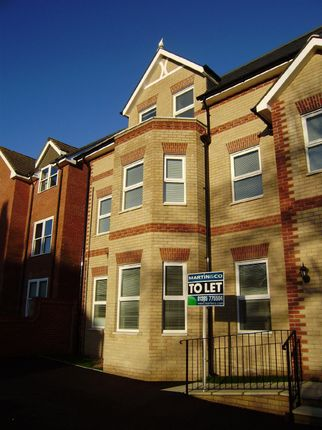Thumbnail Flat to rent in Grosvenor Road, Weymouth, Dorset