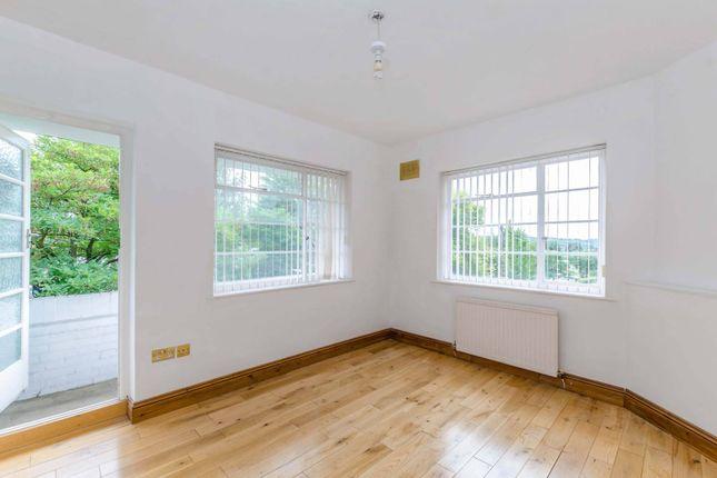 Thumbnail Flat to rent in Ossulton Way, Hampstead Garden Suburb, London