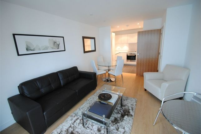 Thumbnail Flat to rent in Waterhouse Apartments, Saffron Central Square, Croydon, Surrey