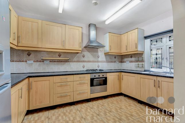 Thumbnail Flat to rent in Colvin Road, Thornton Heath