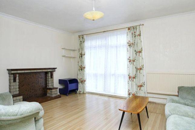 Thumbnail Flat to rent in Hillingdon Street, Kennington, London