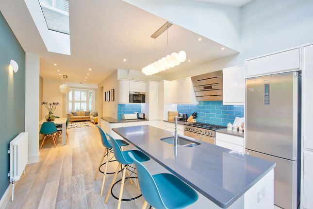 Thumbnail Terraced house for sale in Temperley Road, London