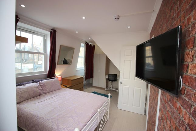 Room to rent in Chusan Place, Commercial Road, Limehouse