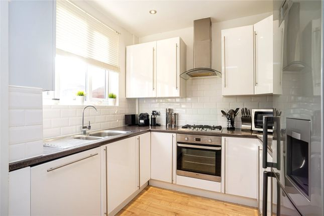 Kitchen of Naylor Road, Whetstone N20