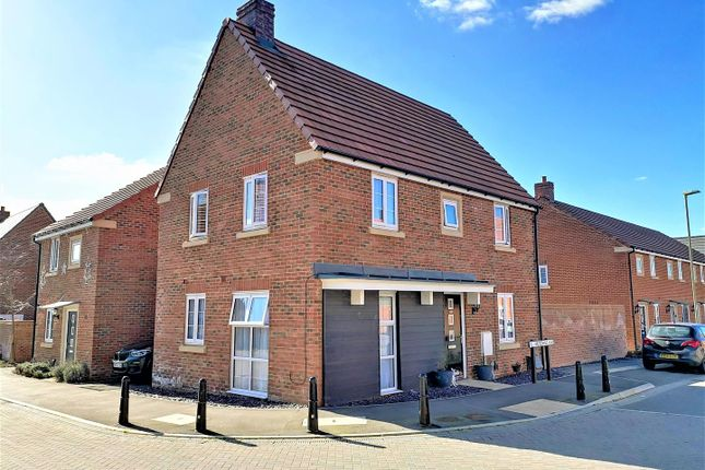 Thumbnail Detached house for sale in Hutchins Way, Basingstoke