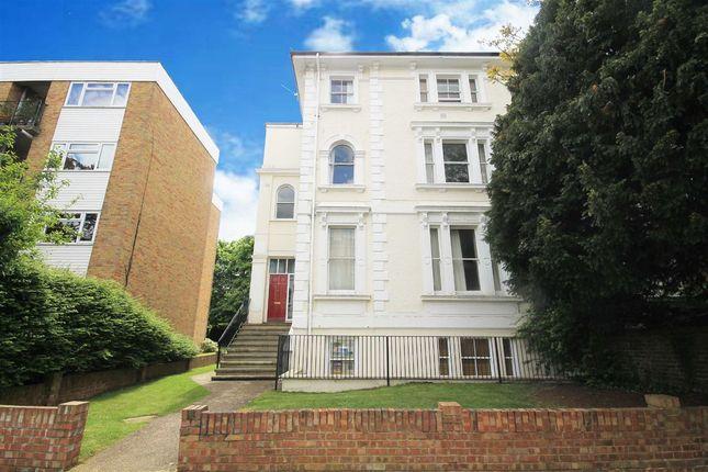 Flat to rent in Uxbridge Road, Kingston Upon Thames