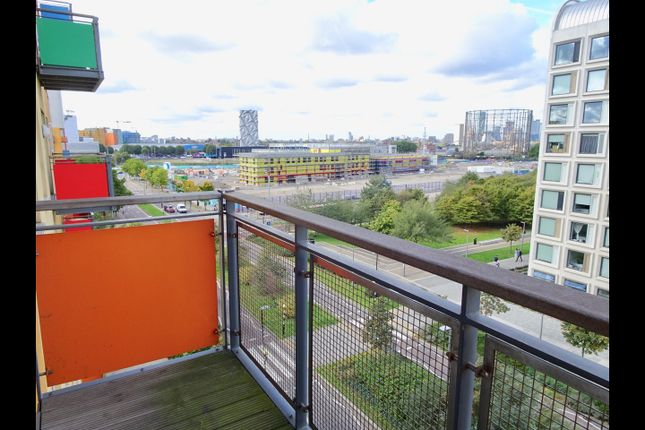 Thumbnail Flat to rent in John Harisson Way, Greenwich
