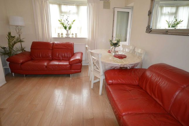 Thumbnail Flat to rent in Blaney Crescent, London