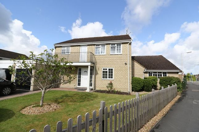 Thumbnail Detached house for sale in Thames Avenue, Greenmeadow, Swindon
