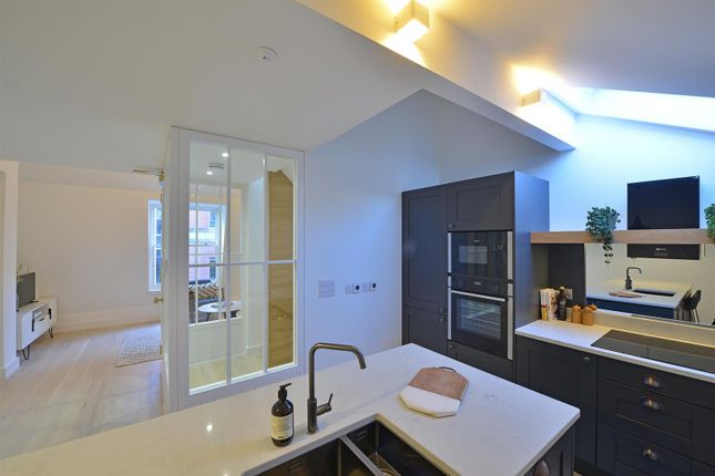 Thumbnail Town house to rent in South King Street, Manchester