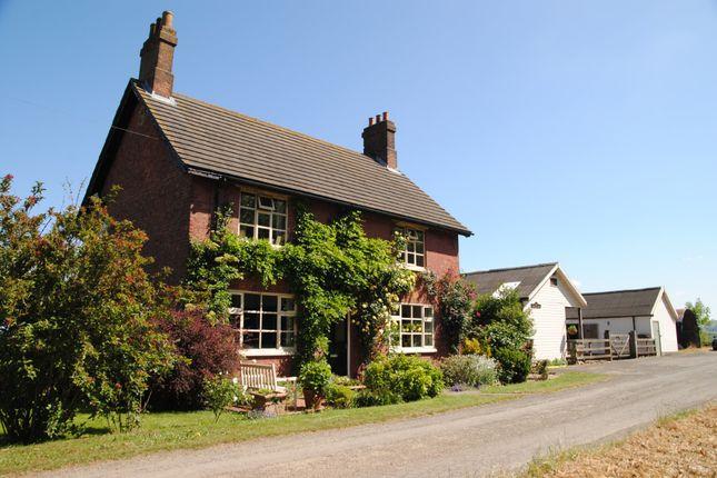 Thumbnail Farmhouse for sale in Winterton, Scunthorpe
