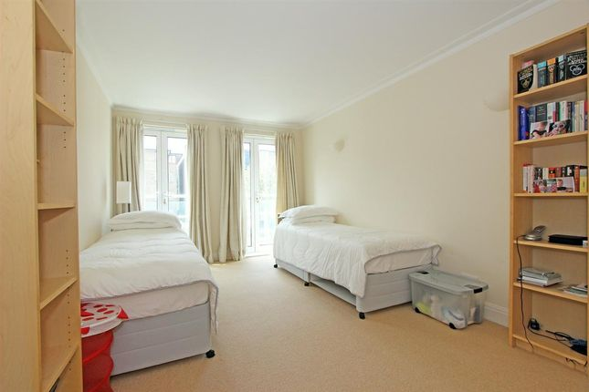 Second Bedroom of Carlton Drive, London SW15