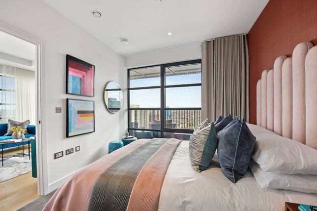 4 bed flat for sale in London City Island, Canary Wharf, London E14