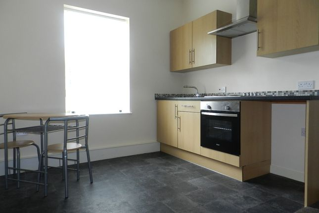 Thumbnail Flat to rent in Newcastle Lane, Penkhull, Stoke-On-Trent