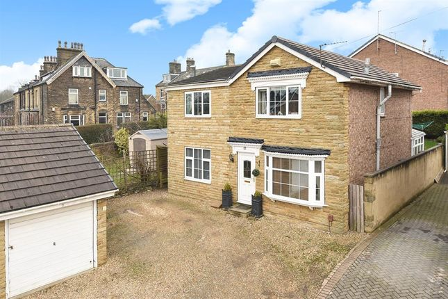 Thumbnail Detached house for sale in Redwood Grove, Yeadon, Leeds