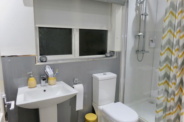 Family Bathroom of Rockcliffe Path, Chapelhall, Airdrie ML6
