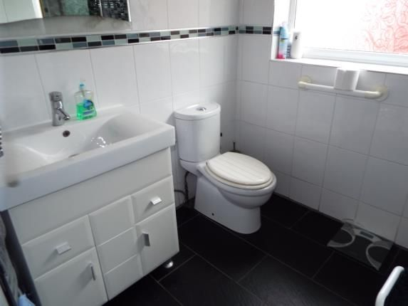Shower Room of Shetland Road, Leicester, Leicestershire LE4