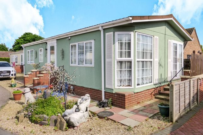 2 Bed Mobile Park Home For Sale In Grove Magazine Lane Wisbech