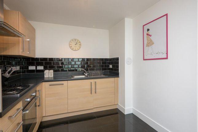 Kitchen2 of Pinkhill Park, Edinburgh EH12