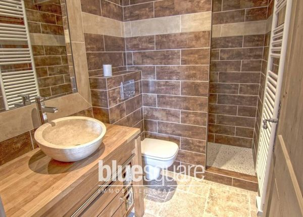 3 bed property for sale in 06140, Tourrettes-Sur-Loup, Fr