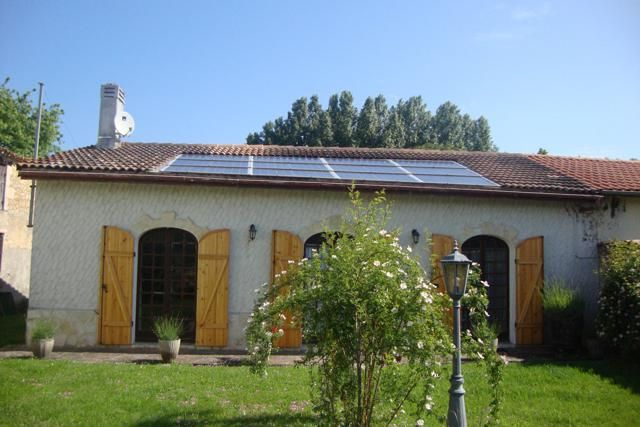 2 bed country house for sale in Montguyon, Jonzac, Charente-Maritime, Poitou-Charentes, France