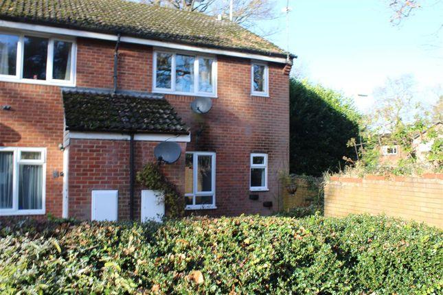 Thumbnail Flat to rent in Bedford Close, Whitehill, Bordon
