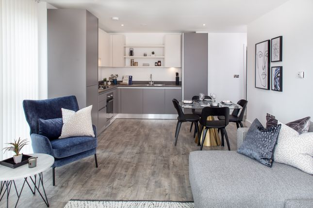 Thumbnail Flat for sale in Churchfield Road Acton, London
