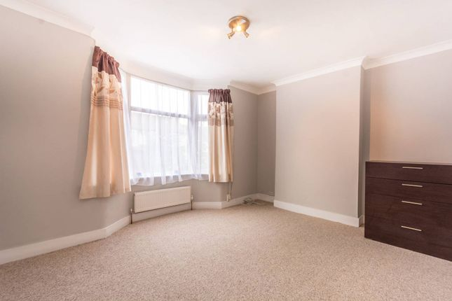 Thumbnail Flat for sale in Hastings Road, Bounds Green