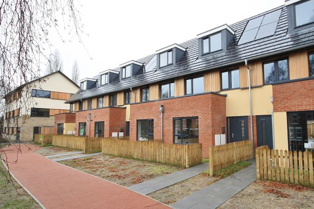 3 bed property to rent in Le Safferne Gardens, Wall Road, Norwich NR3