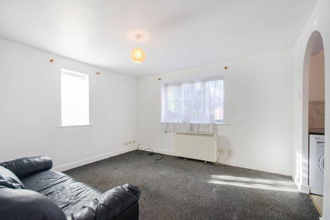 Thumbnail Flat to rent in Harlinger Street, Woolwich