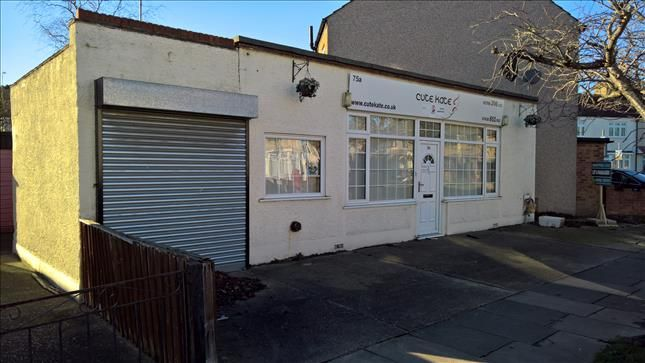 Thumbnail Office for sale in 75A Willow Street, Romford, Essex