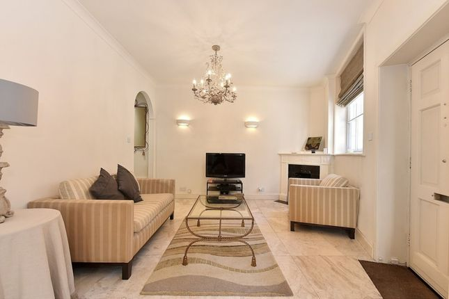 Thumbnail Property to rent in Groom Place, Belgravia