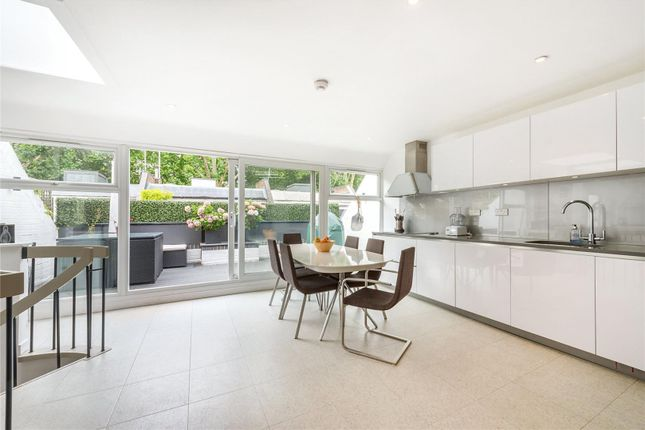 Thumbnail Mews house for sale in Hippodrome Mews, Notting Hill, London