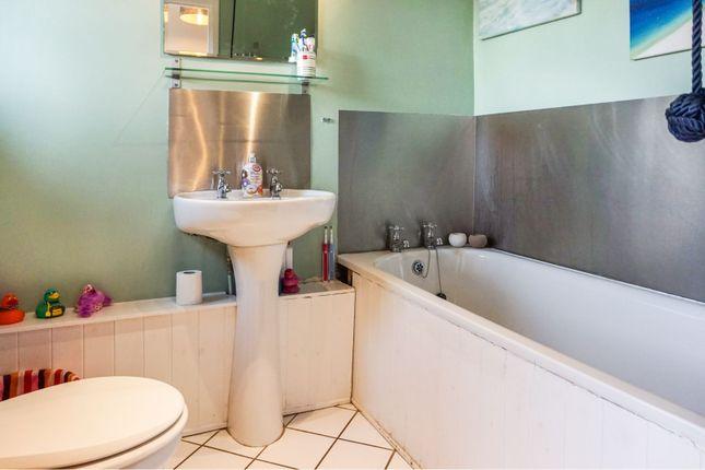 Family Bathroom of Elizabeth Avenue, Bridport DT6