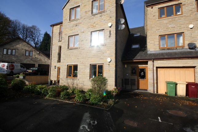 Thumbnail Flat to rent in Capitol Close, Bolton
