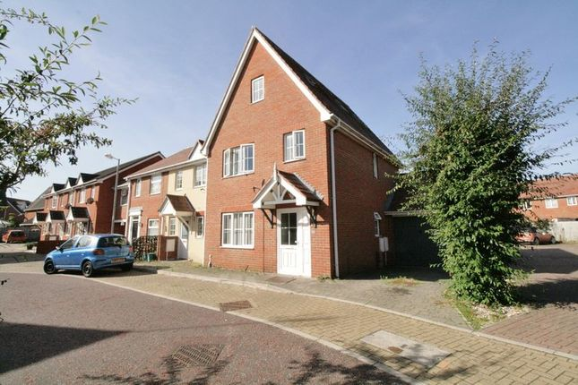 Thumbnail Town house for sale in Jovian Way, Colchester