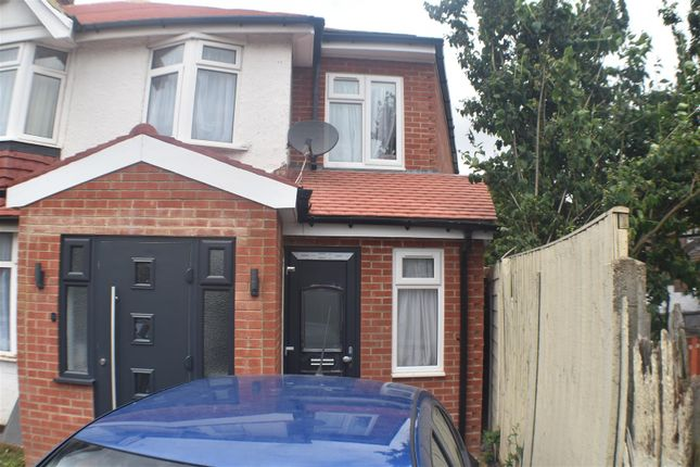 Thumbnail Flat to rent in Malvern Terrace, London